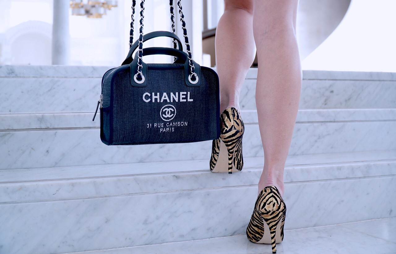How to Style Your Designer Bag (Chanel) – Sharon A Chia 35de464ff7329